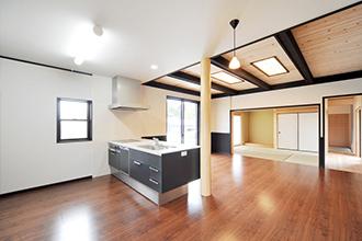 RoomDecoでは北九州市小倉南区にある家具・インテリアショップのHOMESIC(ホームシック)様と提携し空間プロデュースを行っております。